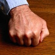 Tocar madera como medida de protección